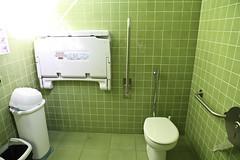 Bioparc de Valencia : toilettes accessibles handi et bébé-friendly !