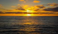 Pacific Ocean - Sunset! (K.Yemenjian Photography) Tags: sunset sunlight sunbeam sun sandiegoca sandiego lajolla lajollaca lajollacove pacificocean water oceanview ocean waves reflection wat cloudy clouds orange orangecolor orangesky