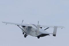 DUQ_9139r (crobart) Tags: 1978 short bros harland sc7 skyvan flying shoebox rcaf skyhawks parachute team airshow london