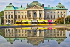 Dresden - Japanisches Palais (www.nbfotos.de) Tags: dresden japanischespalais strassenbahn spiegelung reflektion reflection sachsen