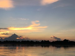Phon Phisai sunset (SierraSunrise) Tags: thailand phonphisai nongkhai sunset sky skies river water mekong mekongriver reflection clouds