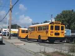 Visconti Bus Service LLC #512 and 425 (ThoseGuys119) Tags: schoolbus newyork ic ce viscontibuscorpllc newburghny