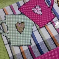 Pano de copa (Criação Exclusiva da Ane) Tags: panodecopa cozinha kitchen canecas panodeprato louças fofuras pink patchwork aplique