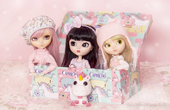 Sophie, Ririe e Diddie ♥ (Candie Dolls ♡) Tags: asiandoll asianfashiondoll fashiondoll pastelcolor pastel pastelpink pink pinkdoll pinkpullip pinkcute pinkbackground adorabledoll adorable kawaii kawaiidoll kawaiipullip groovedoll groove junplanningdoll junplanning cute cutedoll cutepullip pullippaja pullippaja2005 pulliptiphona pulliprida fluffy funko funkopop funkofluffy cacaushow cacaushowcapricho capricho