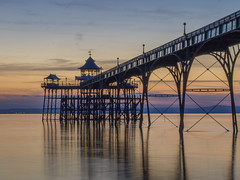 waiting for blue hour (Wizard CG) Tags: clevedon somerset england sun set pier bristol channel sunset united kingdom english heritage grade 1 listed historical architecture arches piers severn river seascape landscape waterfront ngc cloudsstormssunsetssunrises outdoor ocean water sky shore seaside sand sea beach coast epl7 skyline 2017 lake dusk