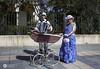 Paseo Musical (J.Gargallo) Tags: paseo pareja carro acordeón retrato portrait benicassim belleepoque castellón comunidadvalenciana españa eos eos450d 450d canon canon450d canonefs18200