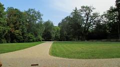 Zámecký park (Michael Kůr) Tags: strážnice jihomoravskýkraj českárepublika southmoravia southmoravianregion czechrepublic zámeckýpark cheataupark park
