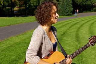 Maya - Chanteuse - Singer