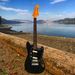 Beached (Pennan_Brae) Tags: guitars guitar sixstring musicphotography music offsetguitars offsetguitar offset shortscale electricguitars electricguitar fenderguitars fenderguitar fendermustang fender