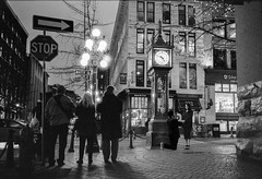 Proposal (arthurhsu1) Tags: proposal marrage vancouver bc canada gastown steamclock ilford hp5 bw scanned scanner epson v850 leica film
