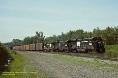 .(SEE & HEAR)---CR 2966-2945-2908. LI-2, Selkirk, NY. 5-15-1977 (jackdk) Tags: train railroad railway locomotive ge gelocomotive u33c penncentral pc cr conrail uboat selkirk early seeandhear seehear standardcab