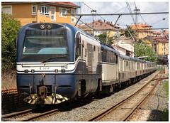 Candas 10-08-17 (P.Soares) Tags: espanha comboio comboios caminhodeferro train trains tren portugalferroviário transportesxxi terminalintermodal lusocarris feve transcantábrico 1900