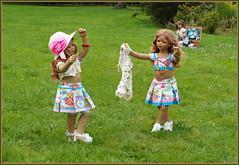 Anne-Moni und Tivi ... (Kindergartenkinder) Tags: sommer blumen personen kindergartenkinder garten blume park annette himstedt dolls milina annemoni tivi wasserschlosslembeck