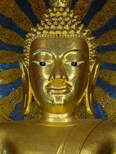 Buda Phra Chao Thong Tip en Wat Phra Singh, Chiang Mai, Tailandia