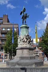 Standbeeld De Boerenkrijg, Hasselt (Erf-goed.be) Tags: standbeeld boerenkrijg leopoldplein hasselt archeonet geotagged geo:lon=53351 geo:lat=509279 limburg