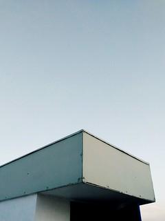 Side. #architecture #art #modernart #simplicity #simple #minimalist #minimalistic #minimalzine #hypebeast #lessismore #lensculture