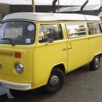 Volkswagen Campervan 1972 thumbnail