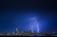 september 11 2017 storm (pbo31) Tags: bayarea california nikon d810 color night dark september 2017 summer boury pbo31 northerncalifornia sanfrancisco city urban lighting thunder storm treasureisland skyline sky clouds rain weather lightstream motion salesforce 181fremont transamerica blue over