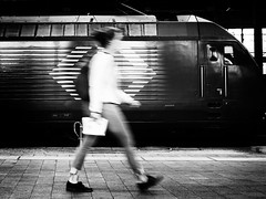 move in to the morning (René Mollet) Tags: move trainstaion train woman step fast morning street streetphotography shadow silhouette streetart streetphotographiebw urban urbanstreet basel renémollet blackandwhite bw