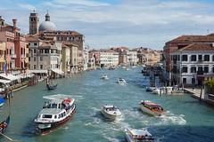 Moving Venice (Txulalai) Tags: venice venezia venecia italia grancanal canal agua travel arquitectura edificios sonyilce6000 sony sonya6000 sonyalpha6000