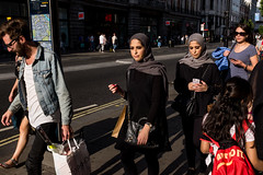 Matching (Gary Kinsman) Tags: london w1 oxfordstreet westend fujix100t fujifilmx100t candid streetphotography streetlife shopping consumerism pair fashion hijab match matching 2017 people person