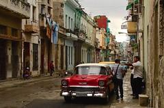 Cuba- La Habana (venturidonatella) Tags: cuba lahabana lavana avana caraibi caribbean street streetscene streetlife strada strade colori colors nikon nikond500 d500 automobili car cars elitegalleryaoi