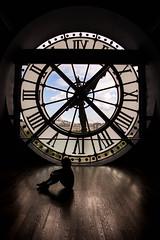 París desde el reloj del museo D'Orsay (Monica Fiuza) Tags: parís paris museodorsay reloj clock círculos circles sacrecoeur contraluz