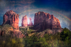 Catedral Rock after the rain ... (max tuta noronha) Tags: arizona landscape catedralrock outdoor outdoors rainbow montanha mountain lights ufo trees snakes