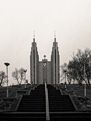 Akureyri (warmith) Tags: akureyri iceland islande warmith sonyalpha7 a7 alpha7 pentaxsmcfa28mmf28 nb noirblanc blackwhite bw cathedrale cathedral church akureyrarkirkja