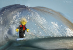 The Wave (Koeau) Tags: lego minifigure wave sea surf surfing sport water blue tube summer relax foam beach spiaggia mare vacanze holiday activity board longboard suit schiuma scale tale ride chill toy giocattolo saltwater legography