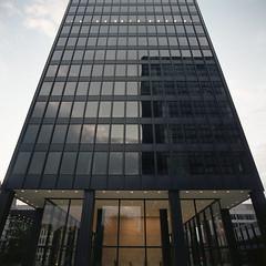 (Kelann C-W) Tags: bronicasqa bronica fujipro400 fujicolorpro400h film mediumformat 120mm montreal building glassbuilding 6x6 square format