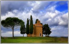 La cartolina dimenticata (Gio_ said_good_by) Tags: tuscany landscape church clouds atmosphere wind sky blue winter valdorcia toscana cappella siena terra nuvole cielo alberi brezza