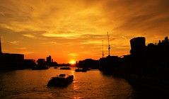 Sunset on Thames (luthomas) Tags: city london cityscape view river water orange boat buildings architecture travel touristic attraction