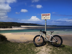 FatBike (Wozza_NZ) Tags: england beach hayle haylecycles cycle cycles sand cornwall cornish fat fattyre fattire fatbike mountainbike biking sea ocean charge cooker waterfront