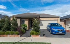 33 Blakewater Crescent, Melton South VIC