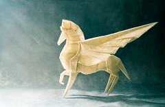 An arrow toward the sky (Masamune81) Tags: fumiaki kawahata origami papel pegaso pegasus art papiroflexia