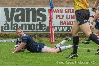 Oliver Davies scores to put the icing on the cake-6505