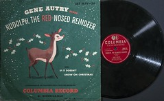 Gene Autry - Rudolph, the Red-Nosed Reindeer (1949 78) (dnskct) Tags: wah hereios werehere flyingobjects geneautry 78 shellac rudolphtherednosedreindeer ifitdoesntsnowonchristmas xmas 1949 vinyl september172017