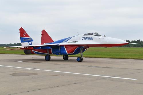 Mikoyan-Gurevich MiG-29S '34 blue'