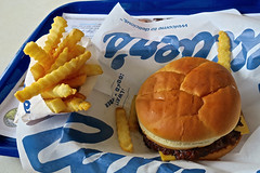 Culver's, Bowling Green, KY (Robby Virus) Tags: bowlinggreen kentucky ky culvers cheeseburger butterburger cheese french fries crinklecut lunch fast food burger restaurant