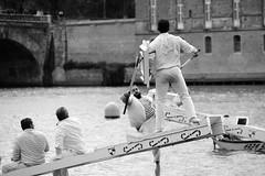 Joutes nautiques III (glarigno) Tags: joutes joute nautique aquatic river rivière fleuve garonne toulouse france europe europa eau bateau bateaux boats boat personnes people street