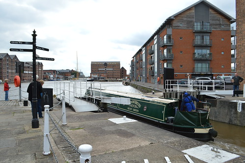Narrow boat enters Gloucester Docks