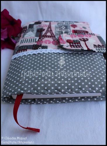 """Capa de livros """"Pink Paris"""""""