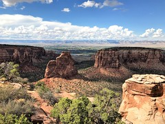 View from the Grand View Overlook in the Colorado National Monument (TrailMob.com) Tags: coloradonationalmonument coloradonm cnm canyonscenery redrocks colorado coloradonationalparks findyourpark trailmob hikingcolorado naturephotography outdoors grandjunction rockies rockymountains trails explore outside nature hiking hike coloradophotography rimrockdrive