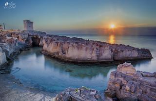 C'è un momento in ciascuna alba in cui la luce è come sospesa; un istante magico dove tutto può succedere. La creazione trattiene il suo respiro..