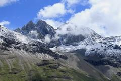 Aiguilles rouges d'Arolla (bulbocode909) Tags: valais suisse dixence hérémence valdesdix aiguillesrougesd'arolla nuages montagnes nature paysages neige vert bleu