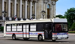 Police Paris - TC TPI (Arthur Lombard) Tags: police policedepartment policecar paris france nikon nikond7200 tpi irisbus irisbusagora gyrophare gyroled policenationale bus emergency 911 999 112 17 street