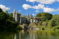 Belvedere in the Morning (Bob90901) Tags: belvedere morning belvederecastle turtlepond centralpark newyorkcity manhattan autumn fall rpg90901 water building architecture trees park pond castle canon 6d canonef24105mmf4lisusm poalrizer 2017 1058