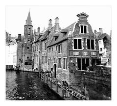 old  Brügge (friedrichfrank1966) Tags: bw blackandwhite brügge belgien town city centro altstadt water kanal