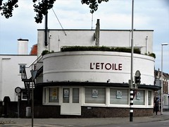 L'Etoile (drager meurtant) Tags: theatre emptiness city gouda streetview restaurant forsale